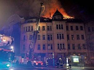 Capa-Haus-en-llamas